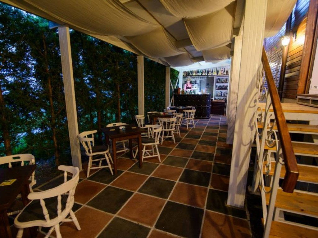 """Restaurant """"La Porta"""" – Terasa"""