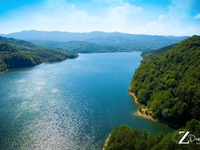 Lacul de acumulare Valea Uzului